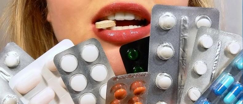 Лекарства в больших количествах